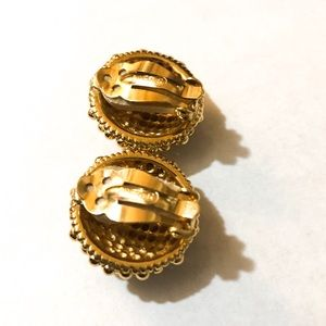 Ciner Jewelry - CINER Vintage Gold Tone Clip On Earrings